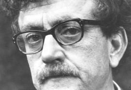 critical essays kurt vonnegut Category: slaughterhouse-five essays title: analysis of kurt vonnegut's slaughterhouse-five.